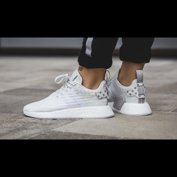 low priced 39af0 42626 Adidas NMD R2 Primeknit White w Polka Dots